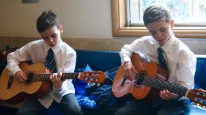 Hyndland Primary guitar players